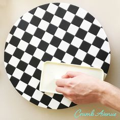 Crumb Avenue - Easy to follow cake topper tutorials | Tutorials | Checkered Cake Board Fondant Cake Tutorial, Cake Topper Tutorial, Cake Toppers, Checkered Cake, Vans Checkered, Edible Glue, Lollipop Sticks, Cake Board, Cake Decorating Techniques