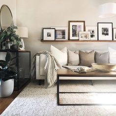 New Living Room, My New Room, Simple Living Room Decor, White Couch Living Room, Cozy Living Room Warm, Natural Living Rooms, Loving Room Decor, Cream Living Room Decor, Living Room Accent Wall