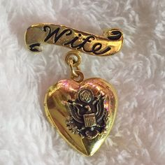 "Gold Tone Army Wife Locket Brooch For all you army wives out there! Beautiful golden tone. Opens up to keep your hubby close to your heart during those hard times when you can't be together. 1.5"" tall, 1"" wide. ✅ Bundle and save on shipping! ✅ All reasonable offers are considered.  ✅ I always ship right away.  ❌ PayPal ❌ Trades ❌ Lowballing Jewelry Brooches"
