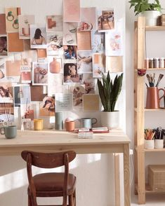 Home office with inspiration wall and mood board Workspace Inspiration, Inspiration Boards, Room Inspiration, Office Interior Design, Home Office Decor, Office Interiors, Image Deco, Ideas Para Organizar, My New Room