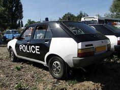 voiture police renault