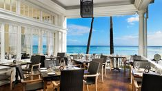 Book your stay at Moana Surfrider, A Westin Resort & Spa, Waikiki Beach to benefit from elegant hotel rooms and a stellar beachfront location in Honolulu. Honeymoon Vacations, Hawaii Honeymoon, Oahu Vacation, Hawaii Weather, Moana Surfrider, Hawaiian Airlines, Waikiki Beach, Kauai Hawaii, Beach Hotels