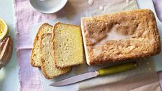 Everyone needs an easy lemon drizzle cake recipe that is super-quick to bake and perfect to wheel out for office cake days. Cake Recipes Bbc, Bbc Good Food Recipes, Flour Recipes, Baking Recipes, Tostadas, Easy Lemon Drizzle Cake, Easy Cakes To Make, Easy Banana Bread, Baking Tins
