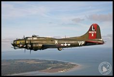 CAF B-17G Texas Raider on route back home from Ellington