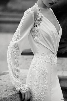 berta wedding dresses | http://awesome-amazing-wedding-dress-photos.blogspot.com