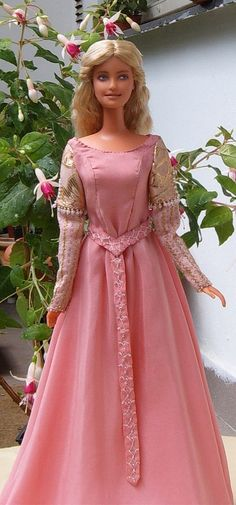 FREE pattern - Princess bride ooak costume for Barbie doll - pink belted dress