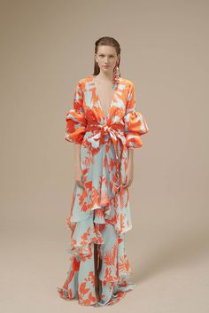 Johanna Ortiz Spring 2017 Ready-to-Wear Fashion Show Collection: See the complete Johanna Ortiz Spring 2017 Ready-to-Wear collection. Look 39 Fashion 2017, Fashion Show, Womens Fashion, Fashion Design, Fall Fashion, Luxury Fashion, Beautiful Dresses, Boho Chic, Ready To Wear