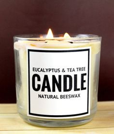 Natural essential oil odor neutralizing candle tutorial for a healthy non toxic home. Want to make your own natural deodorizing beeswax candle? This natural deodorizing beeswax candle recipe is made with eucalyptus and tea tree essential oils and makes a Beeswax Candles, Soy Candles, Citronella Candles, Candle Wax, Scented Candles, Candle Gifts, Natural Candles, Diy Candles Without Wax, Diy Candle Labels
