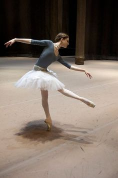 balletomanegirl:  blogdaniballet:  Joy Womack godnesss <3  she has joined Kremlin Ballet recently. Bolshoi directors asked her something like 10 thousands dollars to dance solo roles… so she decided to leave the company and join another one (her husband dances with Kremlin Ballet)