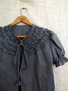 would love to own this beautiful blouse, it looks so comfy!