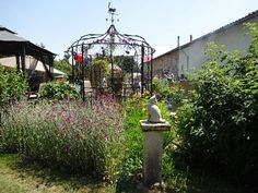 Pet sitter needed for my 2 dogs, 5 cats and assorted chickens.  House Sitter Needed  Clussais la Pommeraie, rural, Sauze Vaussais   Deux Sevres France  Sep 8,2014 For 2 weeks   Short Term Not a member? Join today to contact homeowner LeNoyer We live in a lovely fully restored Charentaise farmhouse in the Poitou Charente region of France and we are looking for someone to look after our house and pampered pets while we are away for approximately two weeks in September.