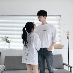 Korean couple morning aesthetic, baggy t-shirt, jeans, morning light Mode Ulzzang, Korean Ulzzang, Matching Couple Outfits, Matching Couples, Love Couple, Couple Goals, Girl Couple, Korean Couple, Ulzzang Couple