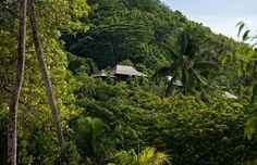 Blending into the scenery, discover the hillside villas of Constance Ephélia.
