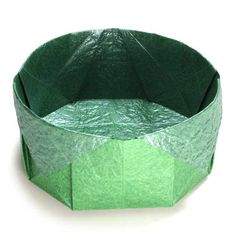 How to make a simple round origami box (http://www.origami-make.org/origami-box-round-simple.php)