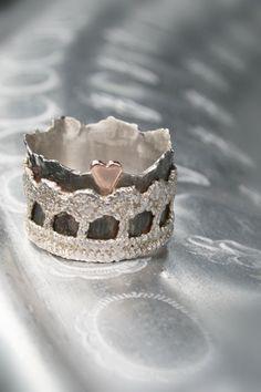 Molitli – Ringen – Bijzondere ring met hartje (000994)