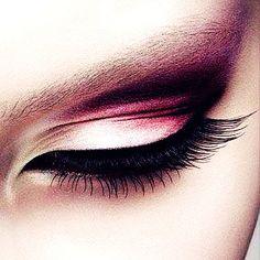 Elegant Pink Eyeshadow #eyeshadow #makeup http://www.loveitsomuch.com/