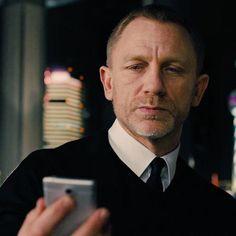"swing-of-things: ""Daniel Craig """