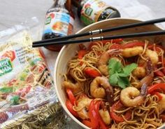 Recette - Nouilles sautées aux crevettes caramélisées en vidéo