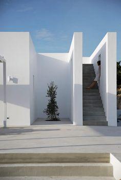 001-maison-kamari-react-architects | HomeAdore