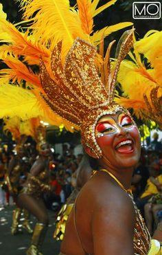 En esta foto se refleja la alegria que se vive en este carnaval