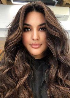 Beautiful Brunette Hair Color Shades to Follow in 2021 | Voguetypes Hair Color Shades, Cool Hair Color, Long Hair Highlights, Hair Due, Latest Hair Color, Aesthetic Hair, Hair Color Balayage, Hair Painting, Hair Looks