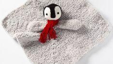 Amigurumi Spiderman (Örümcek Adam) Yapımı - Örgü Modelleri Winnie The Pooh, Origami, Crochet Hats, Snoopy, Beanie, Character, Amigurumi, Knitting Hats, Winnie The Pooh Ears