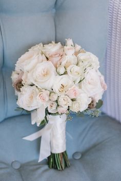 classy wedding bouquet; photo: Kelly Kollar Photography