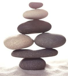 *stones Balancing rocks is a fun and relaxing activity. I was introduced to it in Hawaii on a quiet beach. Zen Rock, Rock Art, Rock Sculpture, Stone Sculptures, Stone Balancing, Stone Cairns, Art Pierre, Balance Art, Rock And Pebbles
