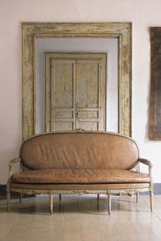 Interior design, decoration, loft, furniture, HomeStories | Casa Chantal.