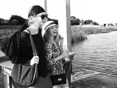 Taylor with her friends in Charleston - taylor-swift Photo