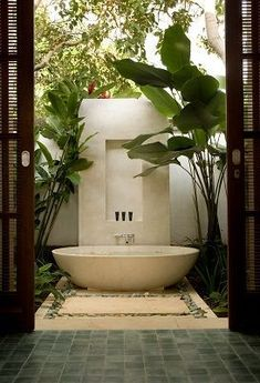 28 Outdoor Shower Ideas with Maximum Summer Vibes Nice 22 Popular Outdoor Bathroom Ideas Outdoor Bathtub, Outdoor Bathrooms, Dream Bathrooms, Beautiful Bathrooms, Outdoor Showers, Master Bathrooms, Outdoor Pool, Interior Exterior, Bathroom Interior Design