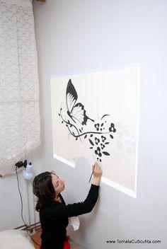 Desene pe pereți | Tomata cu Scufita Stencils, Home Decor, Houses, Decoration Home, Room Decor, Templates, Stenciling, Home Interior Design, Home Decoration