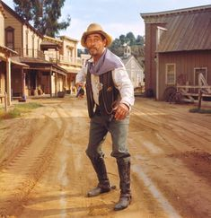 Gunsmoke, TV's longest running prime time, live action dramatic series for decades until tying with Law and Order, starred James Arness as Marshal Matt Dillon, Dennis Weaver as Dillon's dependable… Old Movies, Vintage Movies, Sheriff, Ken Curtis, Matt Dillon, Tv Westerns, Western Movies, Le Far West, Comedy Movies