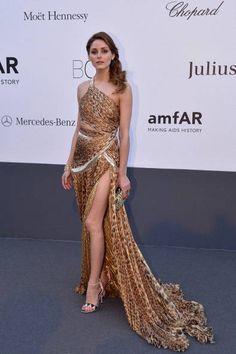 Olivia Palermo in abito dorato