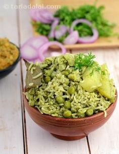 A medley of veggies add colour and flavour to this hot and spicy dish. Brown rice is a storehouse of various nutrients like carbohydrates, protein, vitamin a, iron etc. And when combined with veggies it makes a wholesome fibre rich meal. I am sure you will not miss the traditional fat-laden vegetable pulao once you taste this delicacy.