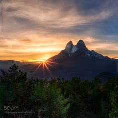 MOMENTS.... by Lluisdeharo #Landscapes #Landscapephotography #Nature #Travel #photography #pictureoftheday #photooftheday #photooftheweek #trending #trendingnow #picoftheday #picoftheweek