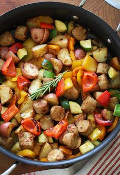 Summer Vegetables With Sausage and Potatoes: A one-pot wonder. And the best part. Nora ate the veggies in here! You could make this more of a seasonal dish depending on the veggies you use too. Healthy Recipes, Pork Recipes, Cooking Recipes, Tasty Meals, Free Recipes, Healthy Dinners, Recipies, Cooking Pasta, Amish Recipes