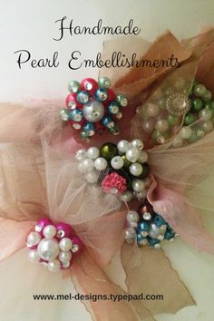 Handmade Vintage Brooch Embellishments- easy to create with a glue gun and inexpensive plastic pearls Vintage Brooches, Vintage Jewelry, Diy Jewelry, Jewelry Making, Vintage Sweets, Glue Gun Crafts, Fun Diy Crafts, Do It Yourself Crafts, Button Art