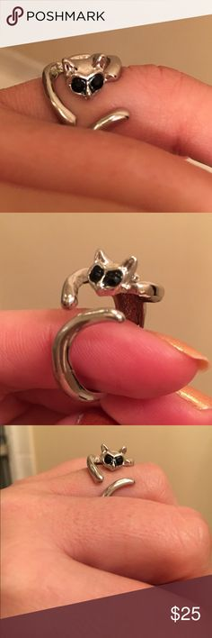I ❤️️ cats ring NWT silver toned kitty cat open ring. Kitty with Black gem eyes wraps around your finger. Size 9 Jewelry Rings