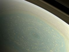 True color image of Saturn's northern pole/Hexagon [946  710]