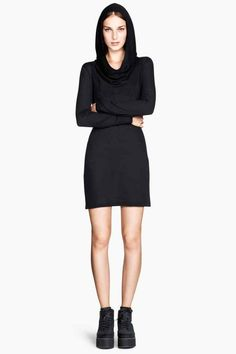 Vestido de punto negro con capucha 19,99 € - H&M