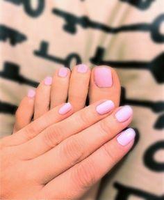 light_pink_nails