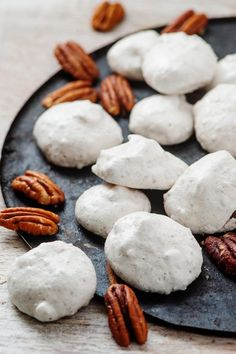keto christmas cookies Weihnachtspltzchen 3 Ingredient Keto Pecan Cookies The BEST Low Carb Keto Meringue Cookies {Easy Flourless} Keto Cookies, Pecan Cookies, Meringue Cookies, Yummy Cookies, Meringue Pie, Cookies Ingredients, Baking Ingredients, Low Carb Desserts, Low Carb Recipes