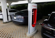 Tesla's stock price has tumbled with the price of oil and gas, but energy prices may not be a long-term threat, writes Brett Arends