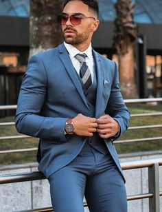 Mens Fashion Suits, Mens Suits, Fashion Outfits, Gay Costume, Men In Tight Pants, Semi Formal Outfits, Scruffy Men, Hunks Men, Looking Dapper