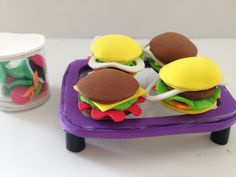 How to make Doll Food: Hamburger & Salad