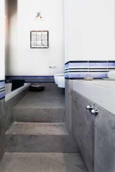 pavimento scala bagno microcemento