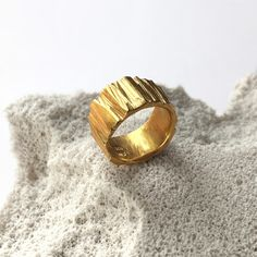 SARAH WINTHER                  - Fragment Ring - Gold