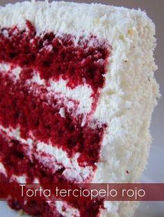 Esta torta es super popular en Canadá y los Estados Unidos. Es muy linda... y muy rica también! La receta también la encontré en la página J... Mini Cakes, Cupcake Cakes, Cupcakes, Just Cakes, Cakes And More, Red Velvet, Velvet Cake, My Dessert, Special Recipes