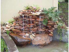 Dicas-lagos-cascatas-jardim Outside Fountains, Garden Water Fountains, Small Fountains, Water Garden, Outdoor Ponds, Ponds Backyard, Backyard Landscaping, Outdoor Gardens, Garden Waterfall